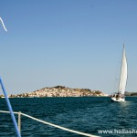 Sailing towards the port of Poros